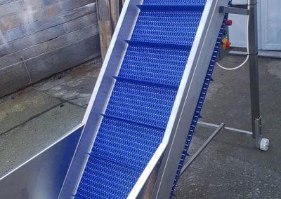 elevátor s modulárním pásem